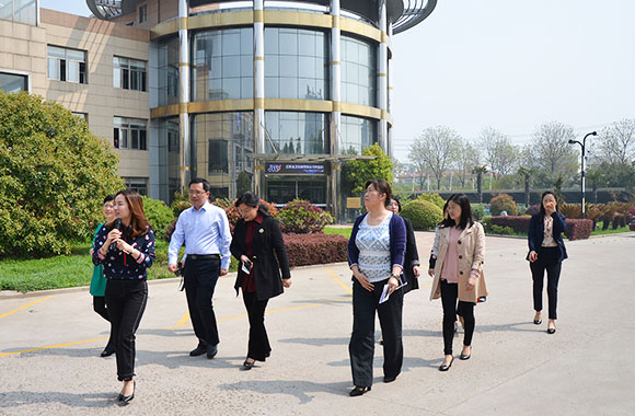 March 3, 2018.04.03 the President of the Huaian Womenundefineds Federation and the staff of the Federation of Womenundefineds Federation come to visit the company.